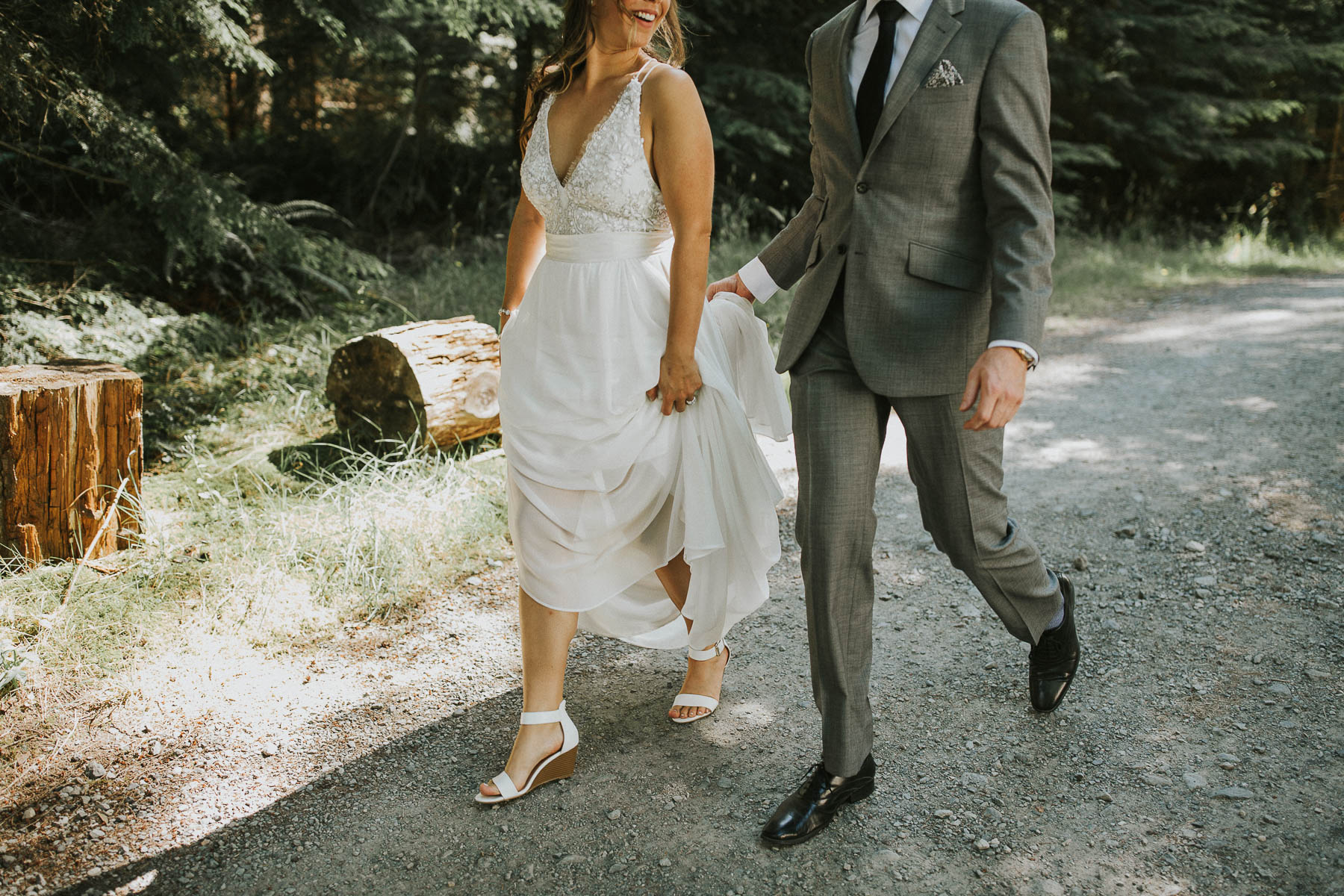 gambier-island-camp-fircom-vancouver-destination-wedding-photography-the-apartment-photography-sm_020