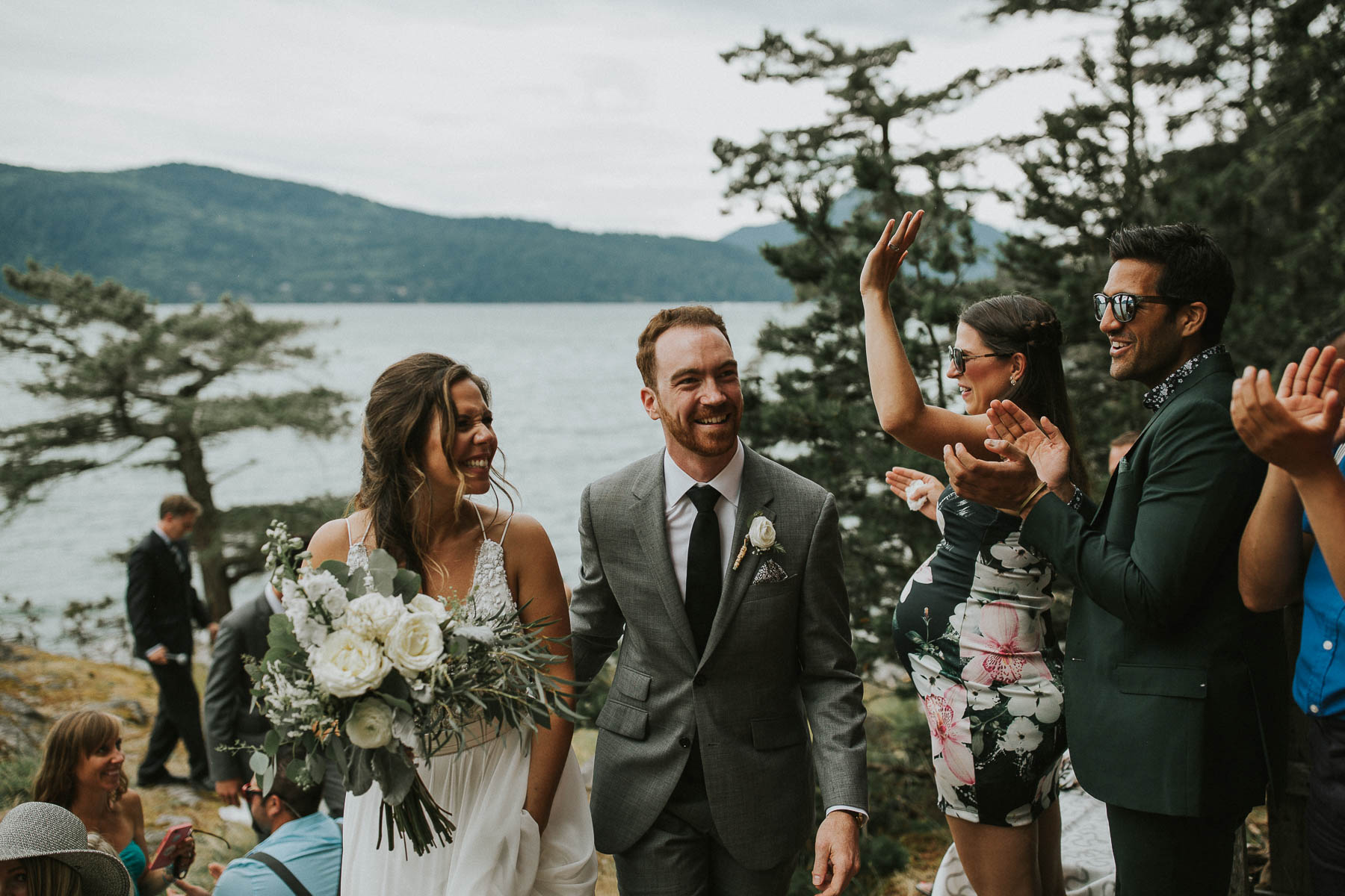 gambier-island-camp-fircom-vancouver-destination-wedding-photography-the-apartment-photography-sm_044