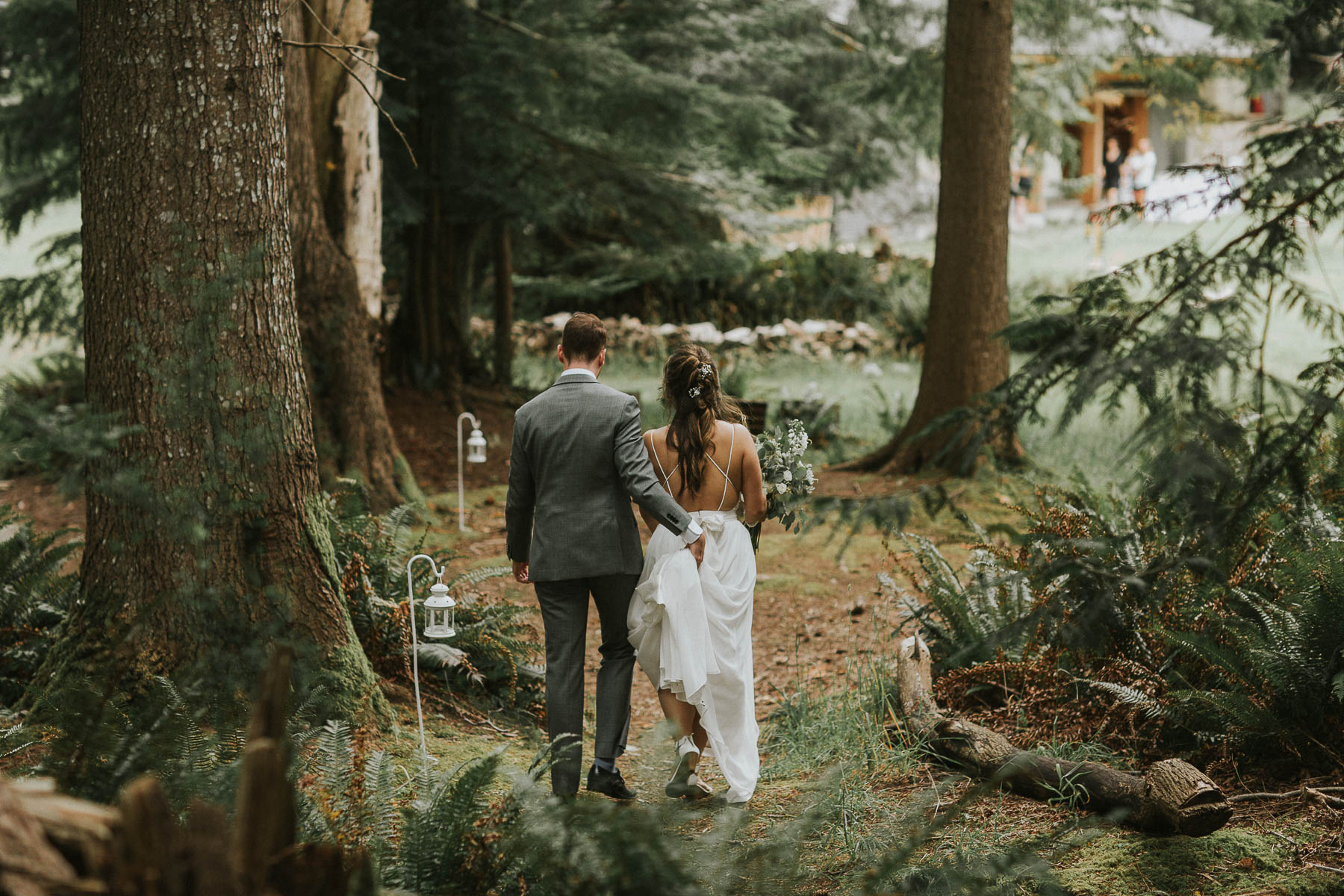 gambier-island-camp-fircom-vancouver-destination-wedding-photography-the-apartment-photography-sm_045