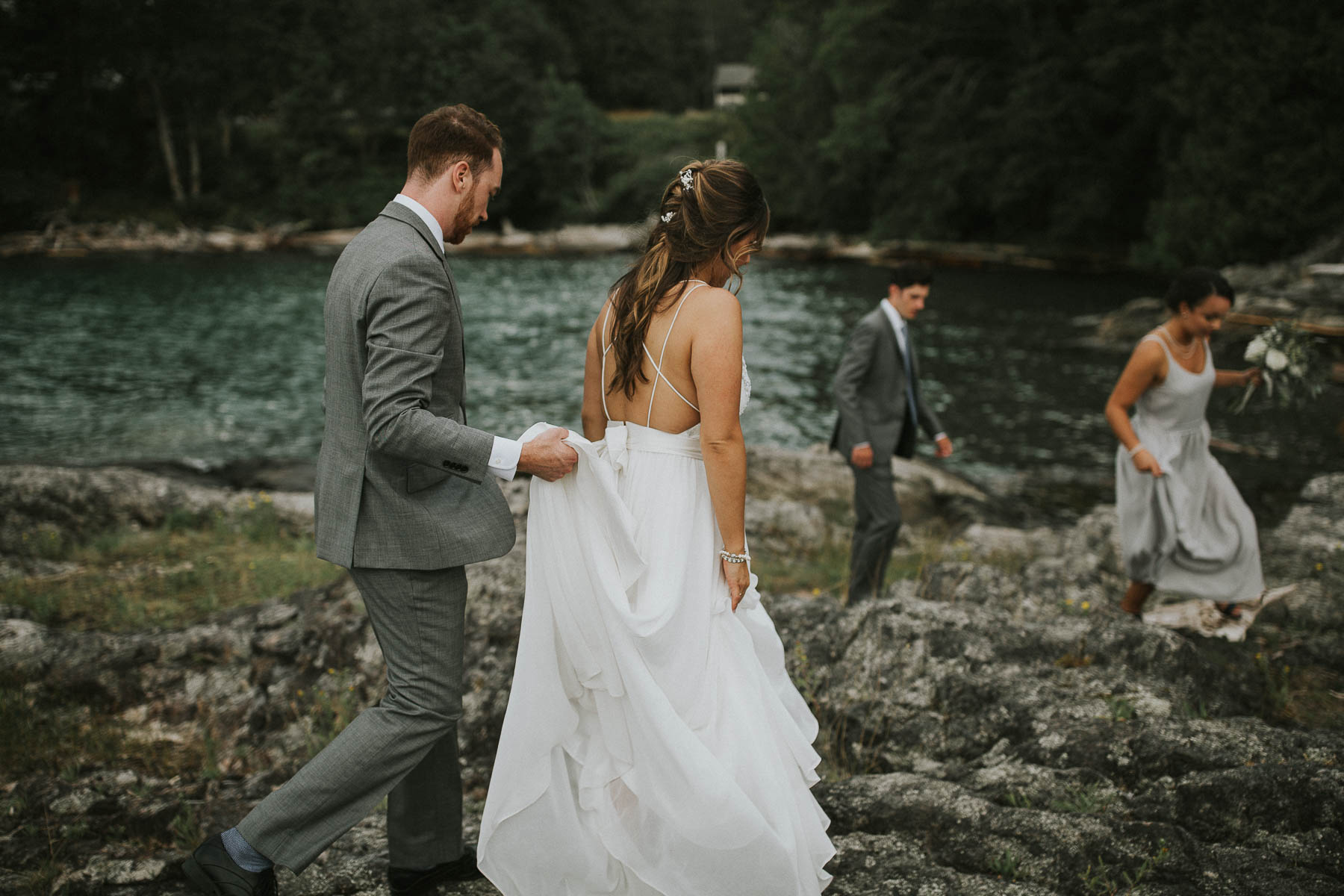 gambier-island-camp-fircom-vancouver-destination-wedding-photography-the-apartment-photography-sm_053